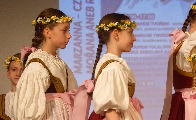 Dívky Slezanku převedly tradice vítání jara. Autor: Vojtěch Labuda.
