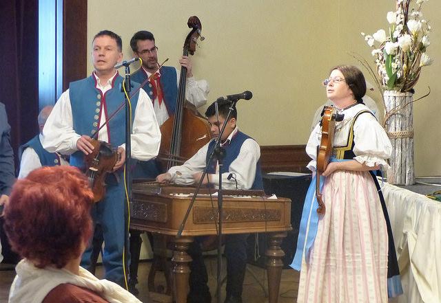 K poslechu hrála cimbálová muzika Slezanek. Autor: Vojtěch Labuda.