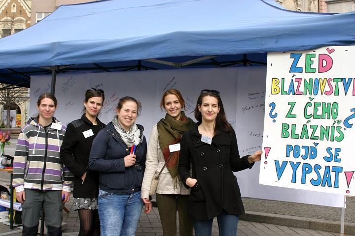 Pracovnice a dobrovolnice organizace Práh, autor: Jana Hostičková