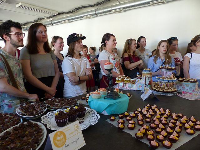 Před soutěží organizátorka poučila návštěvníky o pravidlech hodnocení. Foto: Veronika Charvátová