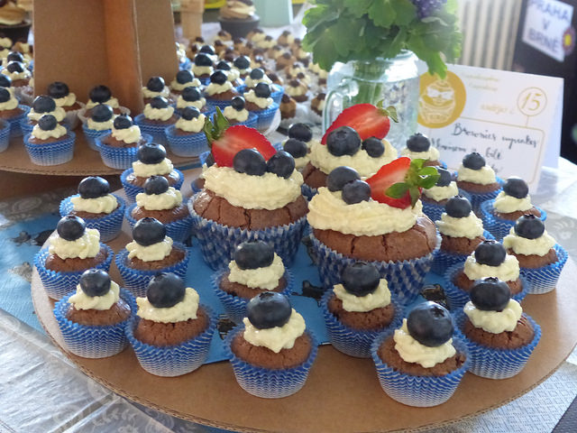 Soutěžní cupcaky, které připravovali cukráři pro ochutnávku. Foto: Veronika Charvátová