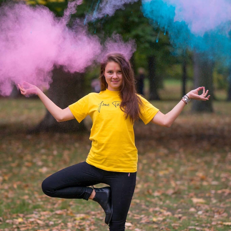 Eliška Andělová pózuje v jogínské pozici. Foto: Facebookový profil Elišky Andělové