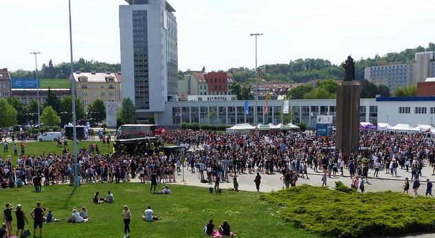 Studenti zakončili průvod na výstavišti, kde dále pokračovali v oslavách. Foto: Veronika Charvátová